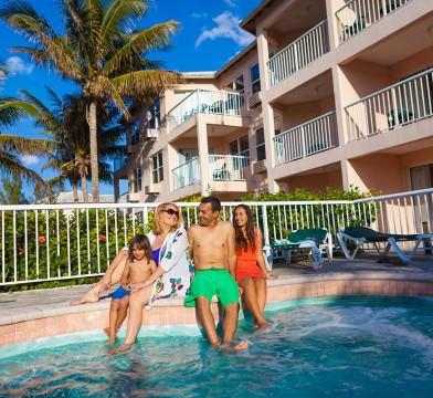 island-palm-marina-villa-hot-tub
