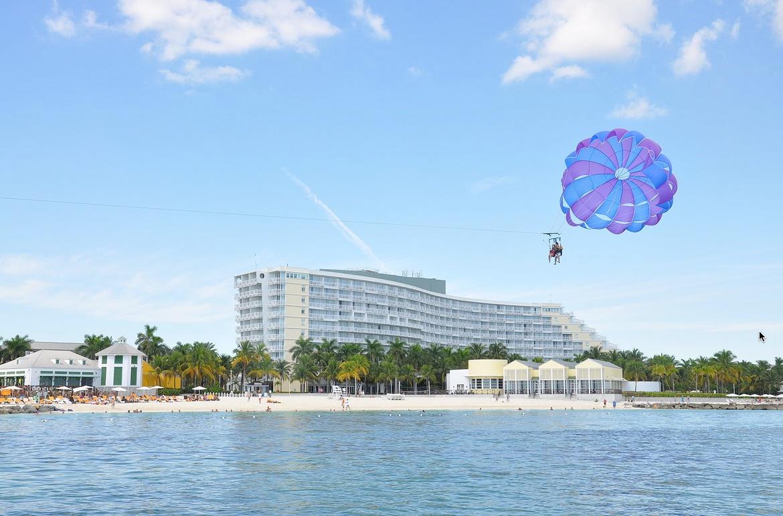 parasailing windsurfing grand bahama island vacations